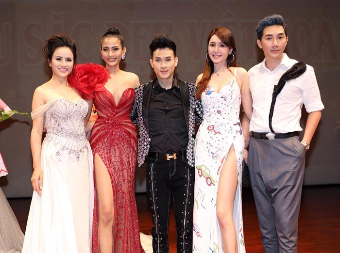 Nguyên Vũ, Nam Phong cùng các người đẹp ngồi ghế nóng cuộc thi Hoa hậu tại Đài Loan
