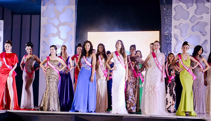 Dương Yến Ngọc gây bão khi 'ôm' 2 giải lớn tại Hoa hậu Quý Bà Hòa Bình Thế Giới 2017