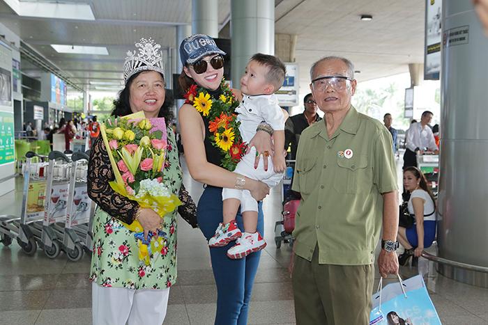 Ảnh đời thường qua Facebook Sao Việt ngày 14/12
