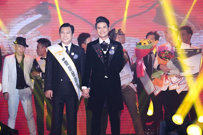 Doanh nhân Phạm Thanh Phong đăng quang Quán quân 2017, MC Vũ Mạnh Cường đạt Á quân Quý ông lịch lãm 2017