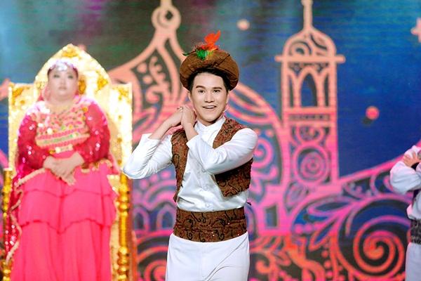 Nghệ sĩ Tấn Beo, Đình Toàn khen Vũ Mạnh Cường sáng sân khấu
