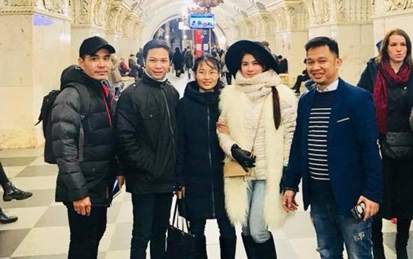 Vợ chồng Kha Ly - Thanh Duy đón năm mới cùng Trung Dũng tại Nga