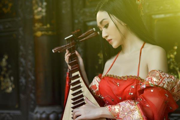 Huỳnh Kim Khánh chinh phục khán giả bằng niềm đam mê bất tận