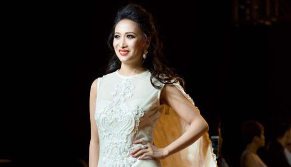 Hoa hậu Diễm Châu lần đầu làm vedette