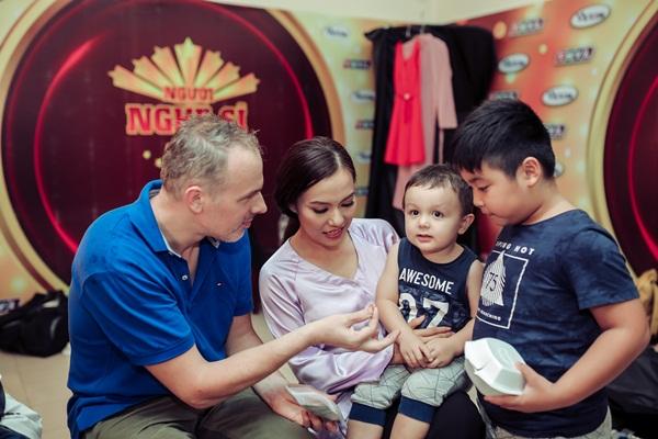 Sợ mất nhẫn đính hôn khi thi gameshow, Lý Thanh Thảo nhờ chồng cất giữ