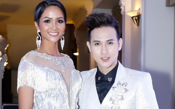 Nguyên Vũ cùng Hoa hậu Hoàn vũ H'Hen Niê diện đồ ton-sur-ton dự sự kiện