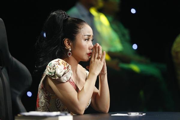 """""""Ốc"""" Thanh Vân rơi nước mắt trước diễn xuất của MC Vũ Mạnh Cường"""