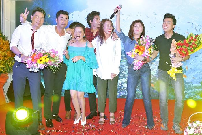 Đông đảo Sao Việt mừng nhà hàng Biển Dương 6 chính thức khai trương
