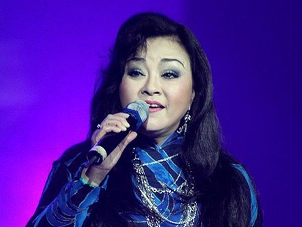 """Hương Lan dành 15 năm làm liveshow """"Một đời trên sân khấu"""""""