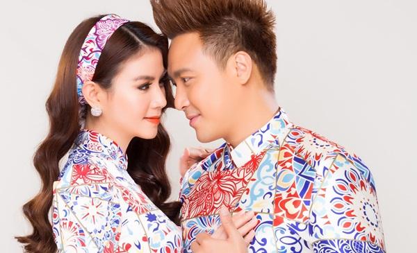 Vợ chồng Kha Ly - Thanh Duy tình tứ chụp áo dài xuân