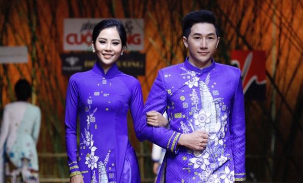 Siêu mẫu Nam Phong sánh đôi cùng Lệ Nam trên sàn catwalk Phong Cách & Cuộc Sống