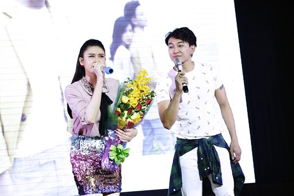 Hoàng Kỳ Nam song ca cùng Trương Quỳnh Anh tặng sinh viên miền Tây