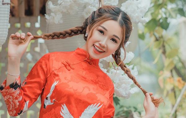 DJ Sunny My thướt tha áo dài trong bộ ảnh Xuân mới do chính mình thiết kế