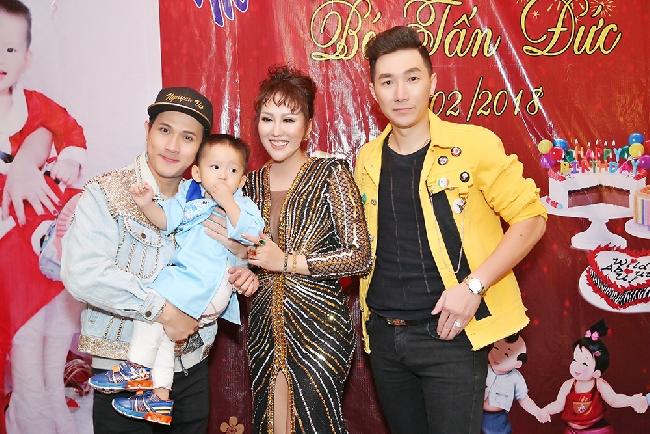 """Nguyên Vũ, Nam Phong mừng sinh nhật """"quý tử"""" Phi Thanh Vân"""