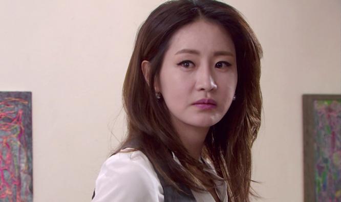 """""""Âm mưu gia tộc"""": Sau 2 năm mất tích, Han Jung Yeon bất ngờ trở về"""