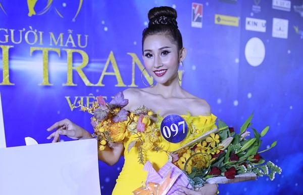 """Chi Nguyễn đoạt danh hiệu Á quân 2 tại cuộc thi """"Người mẫu thời trang 2018"""""""