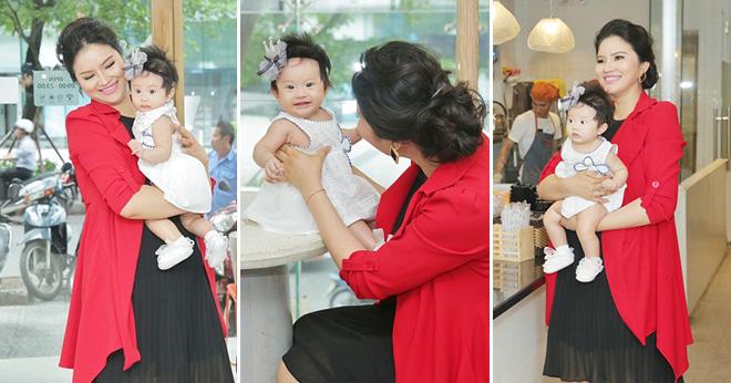 Gái quê Lê Thị Phương lần đầu tiên đưa con gái Bối Bối ra phố chơi