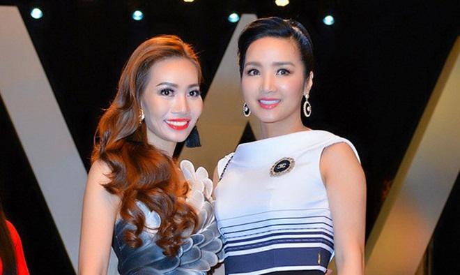Á hậu 2 Ms Universe Business 2018 rạng rỡ hội ngộ dàn sao Việt