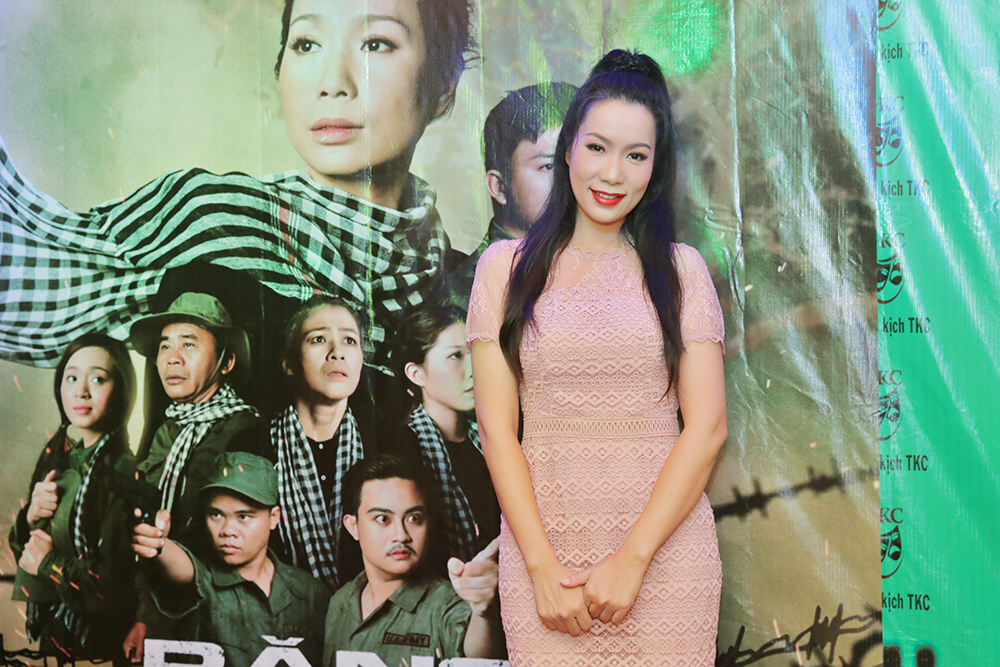 Trịnh Kim Chi rạng ngời và ấm áp trong đêm tiệc