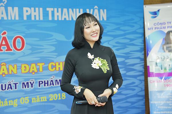 Phi Thanh Vân công bố giấy chứng nhận đạt chuẩn mới trong lĩnh vực sản xuất mỹ phẩm