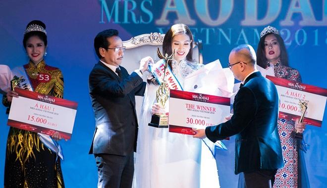 Giám khảo Hoàng Dũng, Chiều Xuân hài lòng về nhan sắc tân Hoa hậu Thuỳ Linh