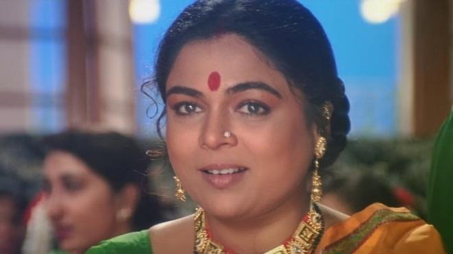 Reema Lagoo - bà mẹ quốc dân Bollywood & vai diễn cuối đời