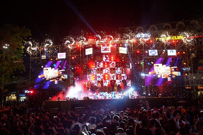 """Hơn 25 ngàn khán giả Thủ đô """"bùng nổ"""" cùng đại nhạc hội IMC2018"""