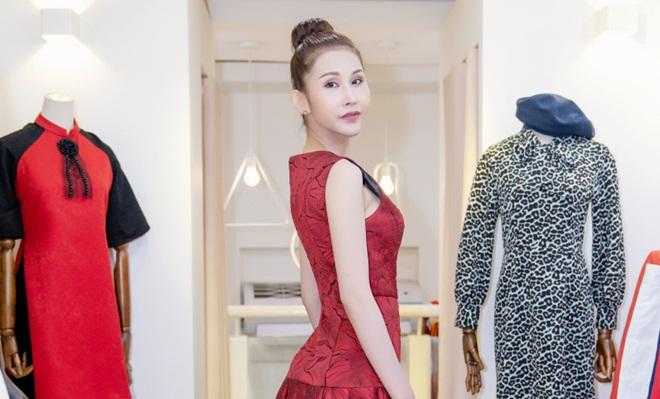 Chi Nguyễn chuẩn bị 50 bộ trang phục tranh tài tại Libang