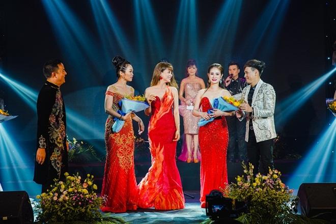 Thí sinh Hoa Hậu Thế Giới Doanh Nhân 2018 hồi hộp trước đêm chung kết