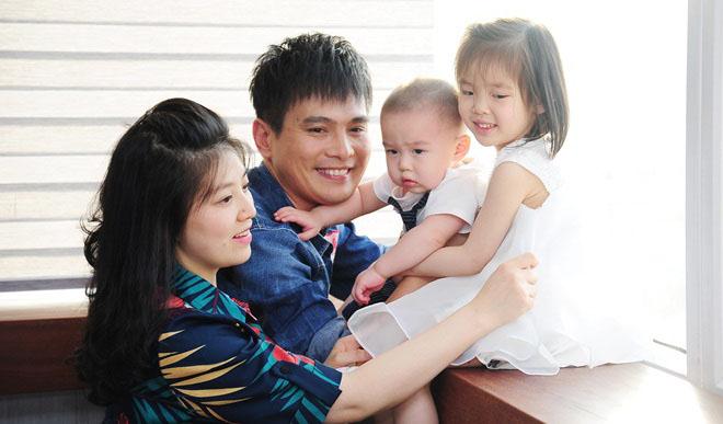 Lâm Hùng chơi xộp mua nhà làm quà tặng vợ