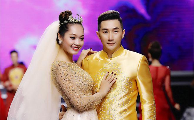 Siêu mẫu, diễn viên Nam Phong tỏa sáng trong tà áo dài tại Show Việt Fashion Week