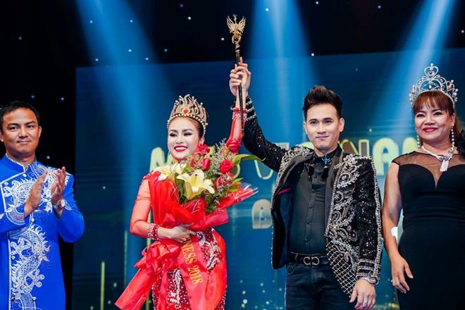 Nguyên Vũ, Trịnh Kim Chi trao danh hiệu Hoa Hậu Thế Giới Doanh Nhân 2018