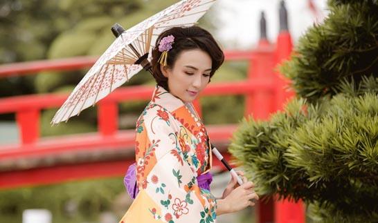 Ngọc Diễm duyên dáng trong trang phục truyền thống Nhật Bản