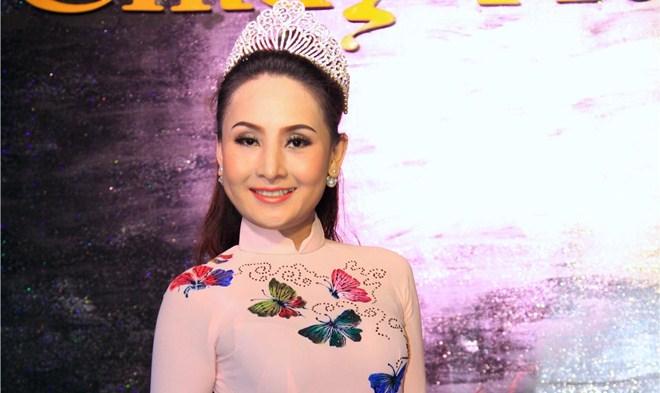"""Hoa hậu Huyền Trân ngồi ghế nóng cuộc thi """"Giọng ca vàng Sao Việt 2018"""""""