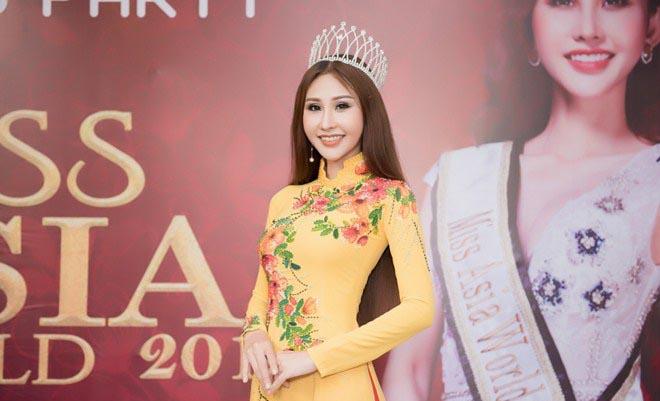 """Hoa hậu Chi Nguyễn: """"Cuộc thi nhan sắc nào cũng có đấu đá, ghen tị"""""""