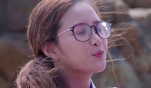 Phương Hằng gây bất ngờ với vẻ xinh đẹp và trẻ trung dù đã gần 30 tuổi