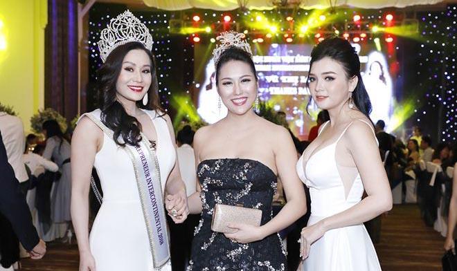 Sao Việt khoe sắc trong tiệc Thank you Party của Tân Hoa hậu Vũ Thị Loan