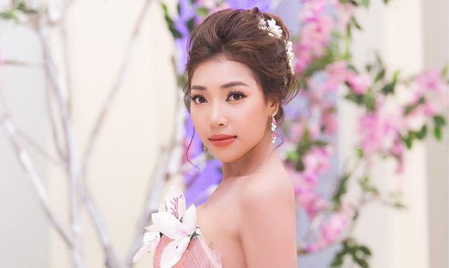 Hoa hậu Linh Huỳnh đồng hành cùng sang hạng A khi ngồi ghế nóng
