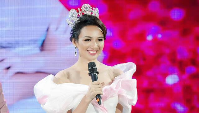 Vietnam Motherland của Ngọc Diễm: Gọn gàng, giàu cảm xúc