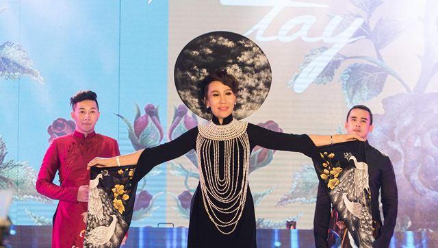Diễn viên Lương Thế Thành, Nam Phong cùng hoa hậu Đỗ Lan tỏa sáng trong show Dạ Tiệc Ngàn Sao