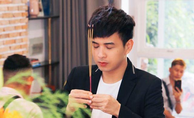 Hồ Quang Hiếu lần đầu tổ chức tri ân tổ nghiệp cùng bạn bè