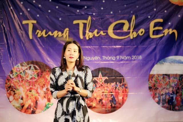 Hoa hậu Vũ Thị Loan mang đến cho trẻ em có hoàn cảnh khó khăn một cái tết Trung Thu vui vẻ