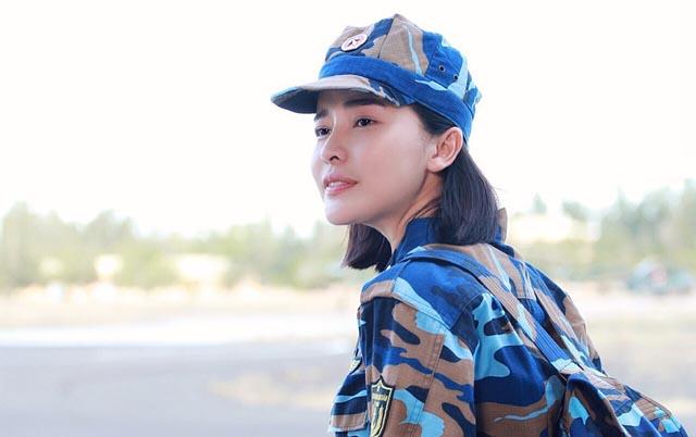 Cao Thái Hà bảo vệ Song Luân, Hữu Vi trước khen chê về diễn xuất