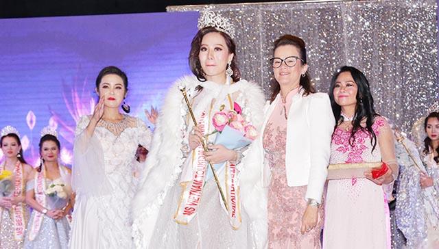 """Cái kết mỹ mãn của """"Nữ hoàng và Nam vương Doanh nhân Việt Nam quốc tế"""""""