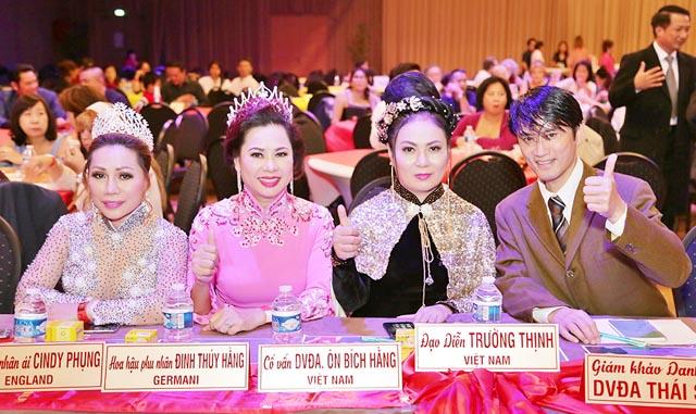 """Hoa hậu nhân ái Cindy Phụng làm giám khảo cuộc thi """"Nữ hoàng và Nam vương Doanh nhân"""""""