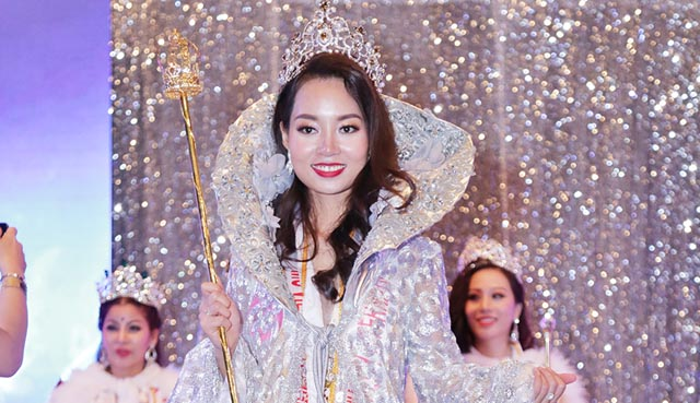 """Hoàng Nga số báo danh 072 đăng quang """"Nữ hoàng Doanh nhân Việt Nam quốc tế"""""""