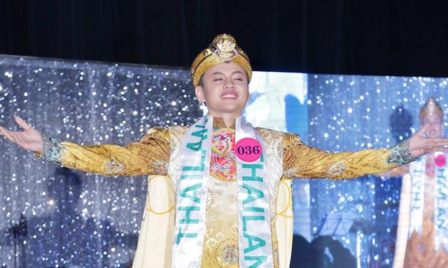 """Tân Nam vương Rin Huỳnh thể hiện quyền lực trong cuộc thi """"Queen's and King's"""" mùa 2"""