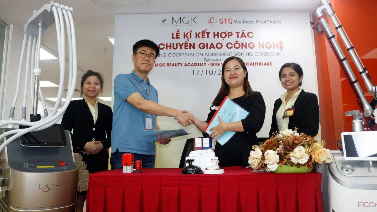 MGK ký kết lễ chuyển giao công nghệ kết hợp ngoại khóa tưng bừng cho học viên.