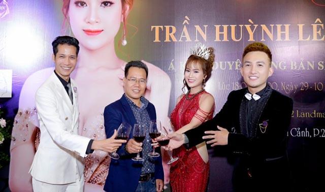 """Á khôi Trần Huỳnh Lê """"chơi lớn"""" tổ chức tiệc tri ân"""