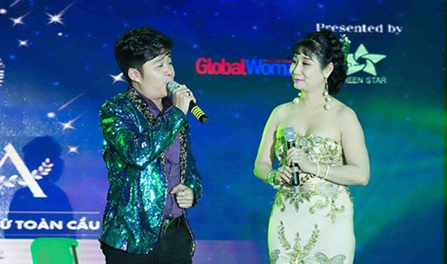 Cả khán phòng bất ngờ trước giọng ca của nghệ sĩ Uyên Thảo trong đêm gala